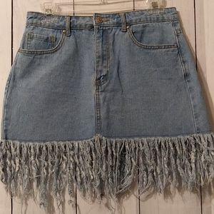 Forever 21 jean fringed/frayed skirt size 27